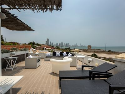 Photo for Car072-Beautiful penthouse with sea view in the Center of Cartagena