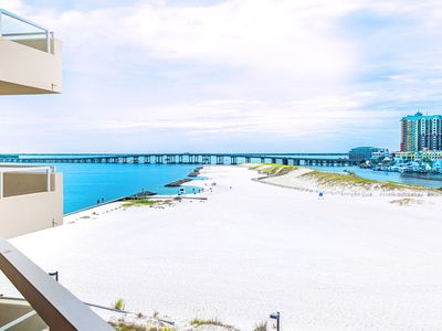 Photo for Harbor Views☀Beachfront Pool☀2 Step Sanitizing Process☀2BR East Pass 505