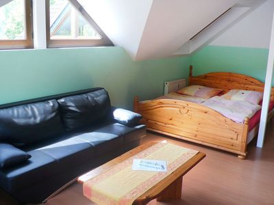 Photo for Beautiful apartment for 5 people with WIFI, TV, pets allowed and parking