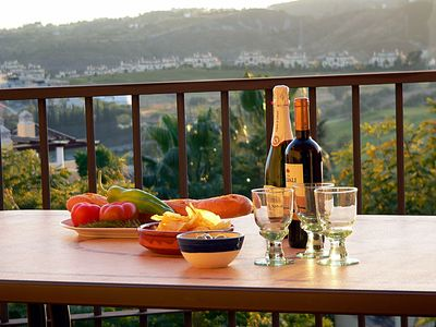 Warm evening - nibbles & wine - nothing better!