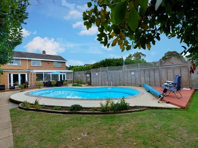 Photo for Willow House - Four Bedroom House, Sleeps 8