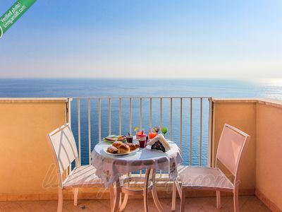 Photo for Living Amalfi: Ocean Breeze up to 4 guests, large terrace with stunning sea view