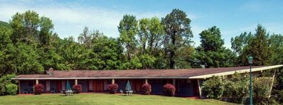 Photo for Eight charming mid-century design lodge rooms/2 full size beds/room/Catskill Mountains, NY