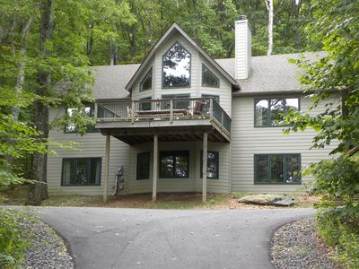 Photo for Large and Luxurious Exec 5BR House - Walk to ski slopes!