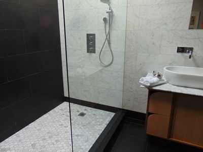 Photo for Luxury stay and spa package in the city