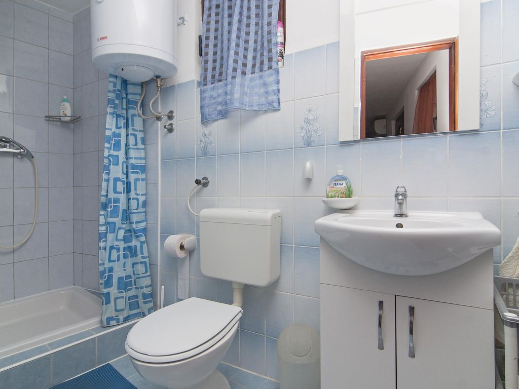 Holiday home Doris Two Bedroom A1 / Holiday home Doris Two Bedroom ...