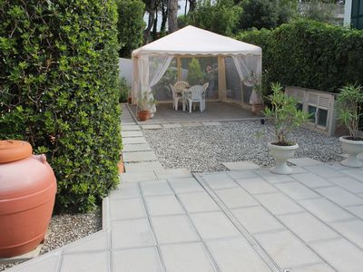 Photo for GARDEN APARTMENT, INDEPENDENT FRONT BEACH FOR FAMILIES WITH CHILDREN