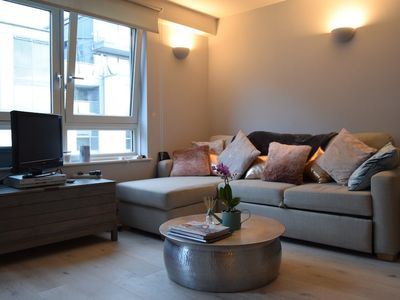 Photo for 1 Bedroom Apartment by the River in Imperial Wharf