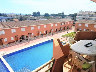 Photo for Nice apartment with pool and sea views, fantastic location.