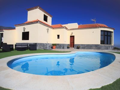 Photo for House with private pool and barbecue