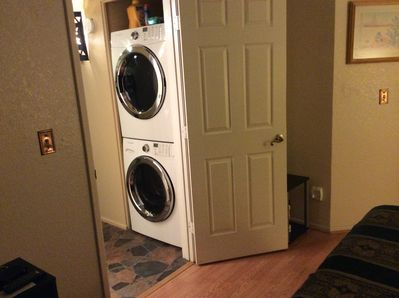 New Frontload washer/dryer