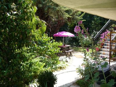 Photo for Studio in house with garden and pool, 1km from the sea (m)