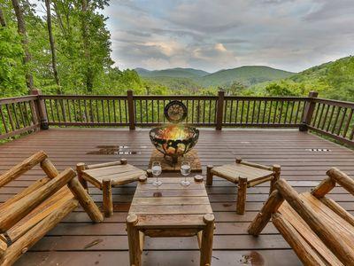 Photo for The Toasted Marshmallow offers mountain and lake views. Pet-friendly.