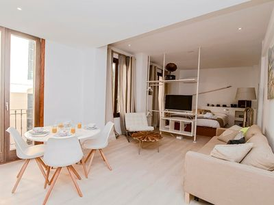 Photo for Apartment in the center of Palma with Internet, Air conditioning, Lift, Parking (644389)