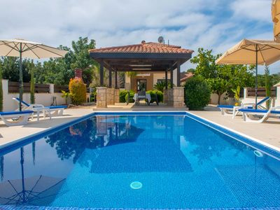 Photo for Villa Kalizoni: Large Private Pool, Walk to Beach, A/C, WiFi