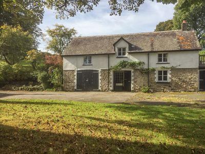 Photo for THE COACH HOUSE, pet friendly, with open fire in Gidleigh, Ref 990865