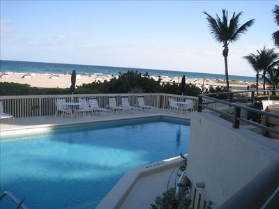 Heated pool directly on the beach, lounge chairs & tables/chairs/umbrellas,