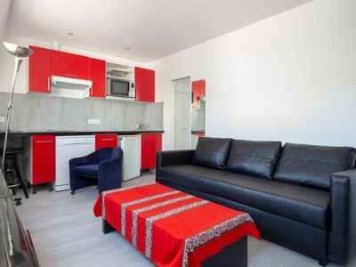 Photo for Beautiful bright apartment 750m from the Louvre