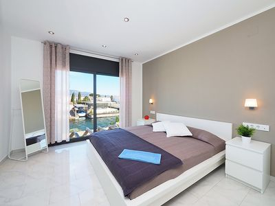 Photo for Apartment 255 m from the center of Empuriabrava with Internet, Pool, Air conditioning, Parking (347297)