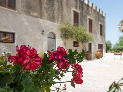 Photo for Historic residence 'Villa Fontana', with private pool and ancient botanical park