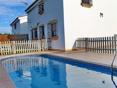 Photo for Quiet, rural location and private pool