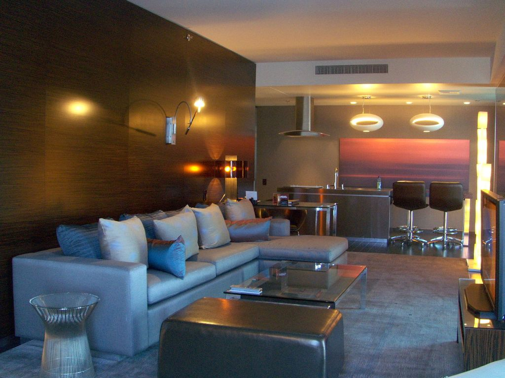 One Bedroom Suite Palms Place Palms Place Hotel Stunning Modern Giant Homeaway Las Vegas