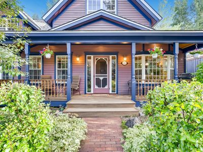Photo for Walk to everything! Historic District, On shuttle Route, Spacious, Victorian Charm!