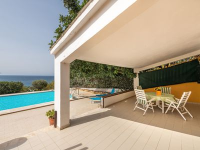 Photo for Holiday Home with Wi-Fi, Garden, Terrace and Pool; Parking available; Pets allowed