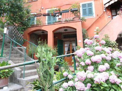 Photo for Nice apartment, private entrance, just minutes from Portovenere