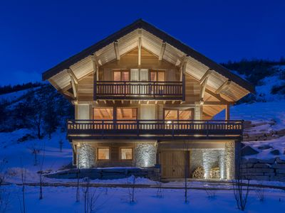 Photo for Beautiful new chalet facing south with 180m2 garden, garage, concierge, wi-fi