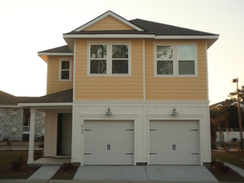 Brand New Home, beautifully decorated in the heart of Myrtle Beach ...
