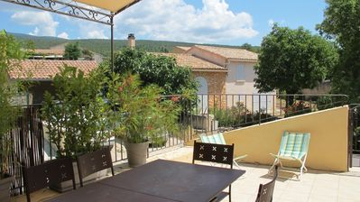 Photo for 110-m² house (4-6 people) with a 26-m² terrace and view of the Mont Ventoux