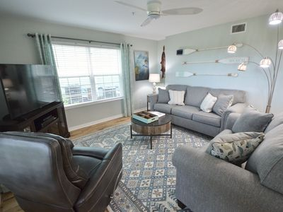 Photo for Prettiest Condo in Town 1 Block to Marina/Downtown!