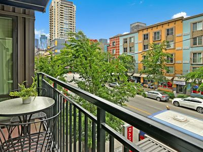 Photo for z2 Bedroom Downtown Seattle Oasis ★IMPRESSIVE LOCATION FILLING UP★