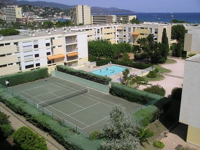 Photo for Le Lavandou, nice 2 bedroom apartment with pool and tennis court