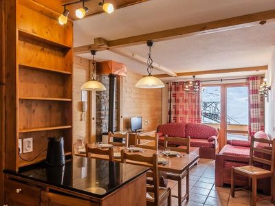 Photo for The Val Thorens **** Balconies - 3-Room Cabin 6/8 People