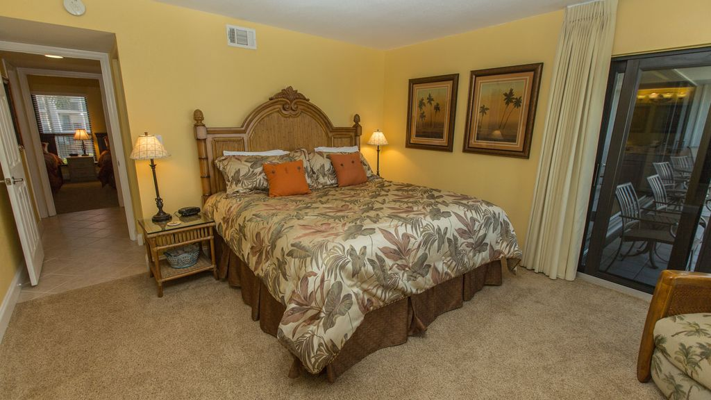 Direct gulf front sundial e208 two bedroom plus den for 2 bedroom with den