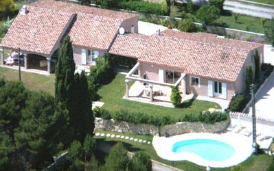 Photo for Nostre Pantaï the field in Provence: holiday house with pool and 2 charming villas (6 or 12 people!)