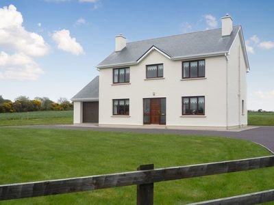 Photo for 4 bedroom accommodation in Boherbue, near Kanturk