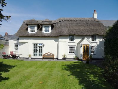 Photo for COOMBE COTTAGE, family friendly in St Keverne, Ref 976526