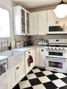 Photo for Vintage Victorian Row House - Min to NYC!