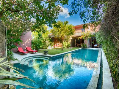 Photo for Stunning 4 bed villa private pool Oberoi
