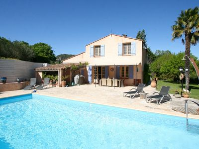 Photo for Holiday villa for 9 people in the heart of Provence with heated pool