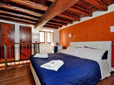 Photo for It is 80 meters from the Pantheon and a 2-minute walk from Piazza Navona