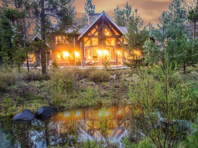 Photo for 56457 Sunstone Loop: 4 BR / 4.5 BA home in Bend, Sleeps 10