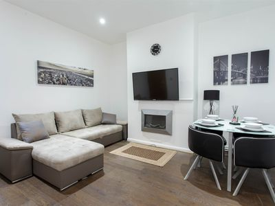 Photo for Apartment - 1 Mile from Leeds Central