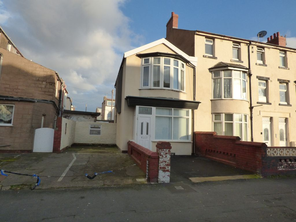 Blackpool House Rental   Front Of House