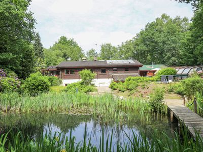 Photo for Beautiful Finnse style log cabin including a swimming pool, sauna and Jacuzzi