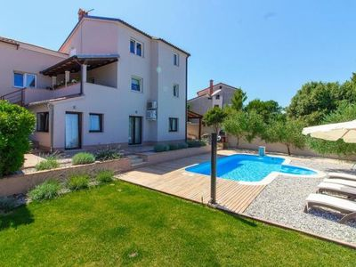 Photo for Holiday house Banjole for 1 - 5 persons with 2 bedrooms - Holiday house