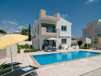Photo for Villa Verdi: Luxury villa with private pool